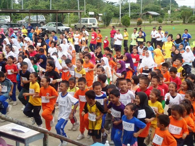 Larian Serentak 1Murid 1Sukan 1 Malaysia -1julai2011 Dsc05414