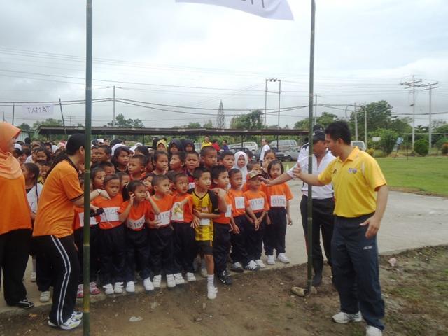 Larian Serentak 1Murid 1Sukan 1 Malaysia -1julai2011 Dsc05420