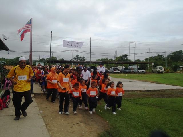 Larian Serentak 1Murid 1Sukan 1 Malaysia -1julai2011 Dsc05421