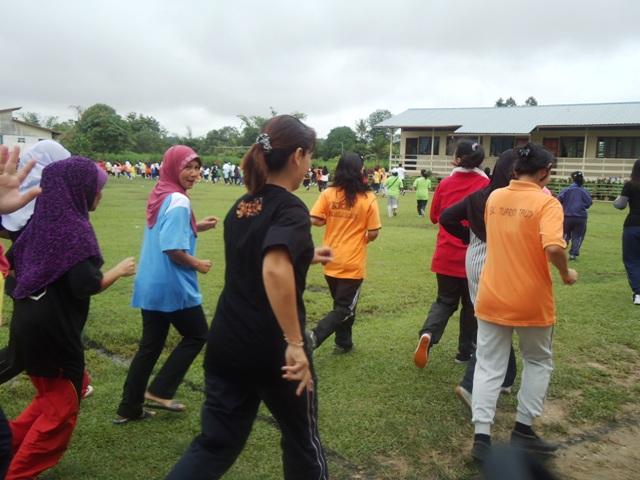 Larian Serentak 1Murid 1Sukan 1 Malaysia -1julai2011 Dsc05425