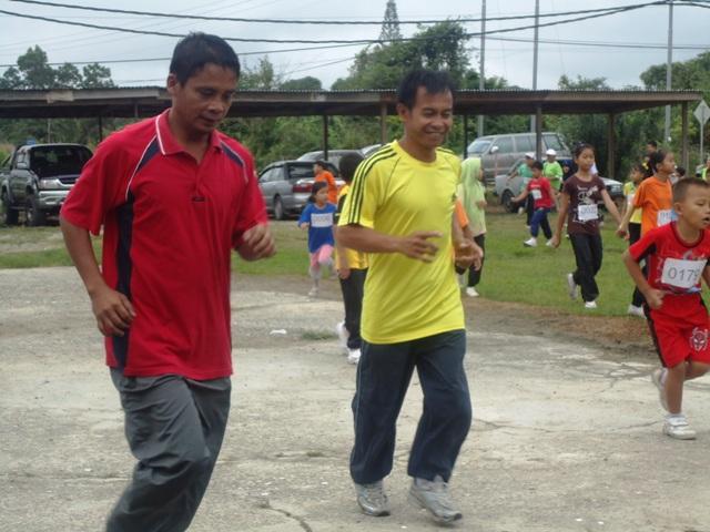 Larian Serentak 1Murid 1Sukan 1 Malaysia -1julai2011 - Page 2 Dsc05440