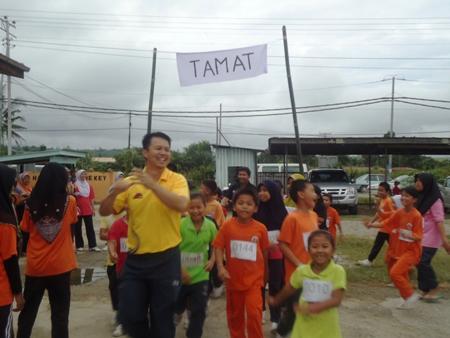 Larian Serentak 1Murid 1Sukan 1 Malaysia -1julai2011 - Page 2 Dsc05448
