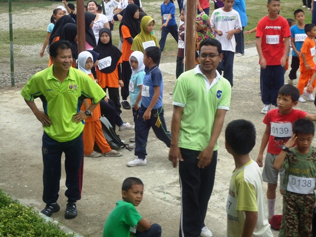 Larian Serentak 1Murid 1Sukan 1 Malaysia -1julai2011 - Page 2 Dsc05449