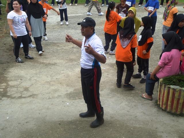 Larian Serentak 1Murid 1Sukan 1 Malaysia -1julai2011 - Page 2 Dsc05451