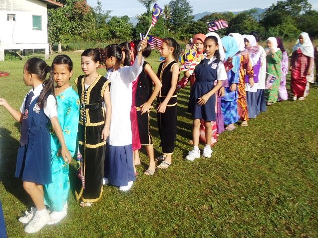 Sambutan Hari Kemerdekaan -19ogos2011 - Page 2 Dsc06138