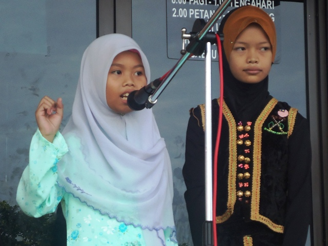 Sambutan Hari Kemerdekaan -19ogos2011 - Page 2 Dsc06148