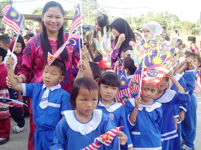 Sambutan Hari Kemerdekaan -19ogos2011 - Page 2 Dsc06149