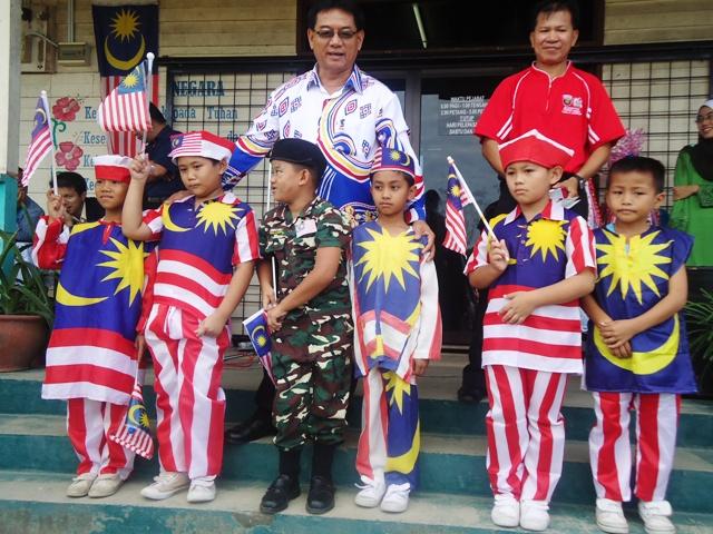 Sambutan Hari Kemerdekaan -19ogos2011 - Page 3 Dsc06220