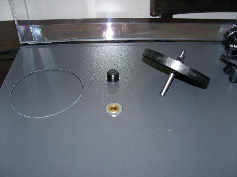 Un giradischi Rega e il vetro stratificato: storia di un upgrade significativo. Snv11811