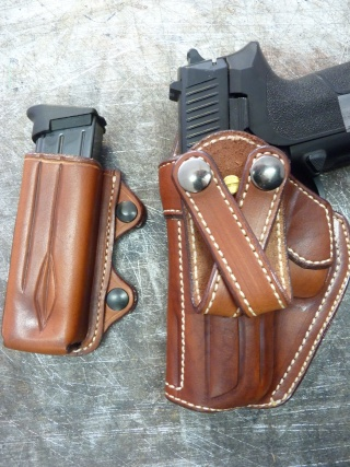 HOLSTER pour Colt 45 by SLYE P1030916