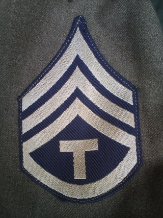 [U.S.A.] Technician staff sergeant de l'Anti Aircraft Command en tenue de sortie (Décembre 1945) Dsc00455