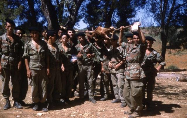Tenue commando de chasse L124, 51ème R.I. 1959, Kabylie. - Page 2 Mechou10