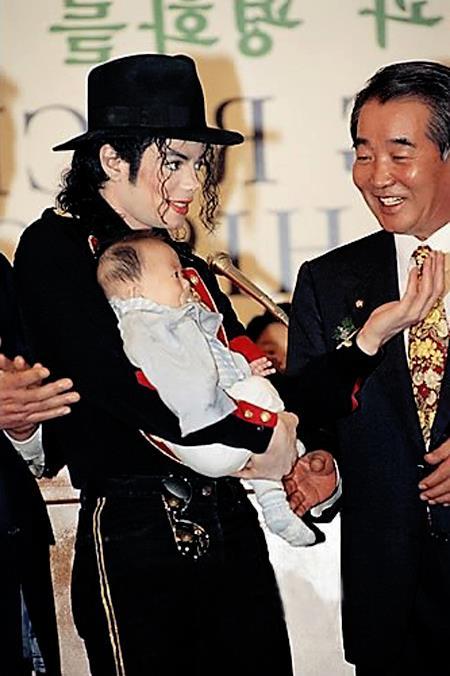 Raridades: Somente fotos RARAS de Michael Jackson. - Página 7 42622910