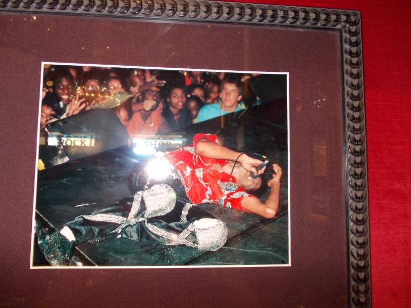 All'Hard Rock Café di Firenze sarà esposto un cimelio di Michael - Pagina 3 Dscn0012