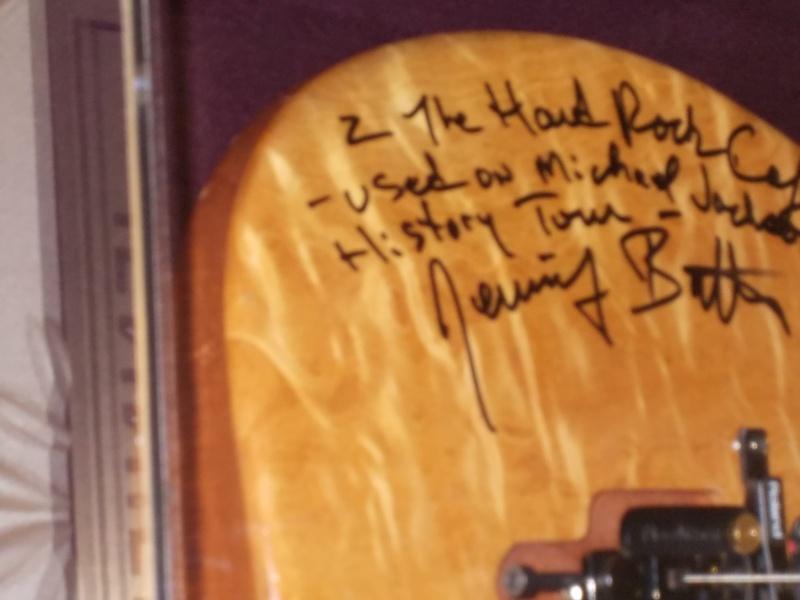 All'Hard Rock Café di Firenze sarà esposto un cimelio di Michael - Pagina 3 Dscn0120