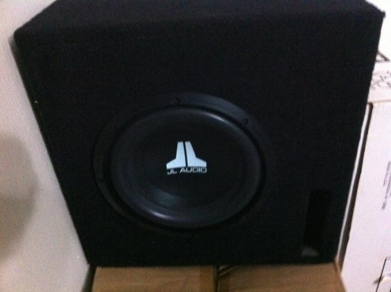 WTS: JL AUDIO 10 inch sub + enclosure (Used) Jl13