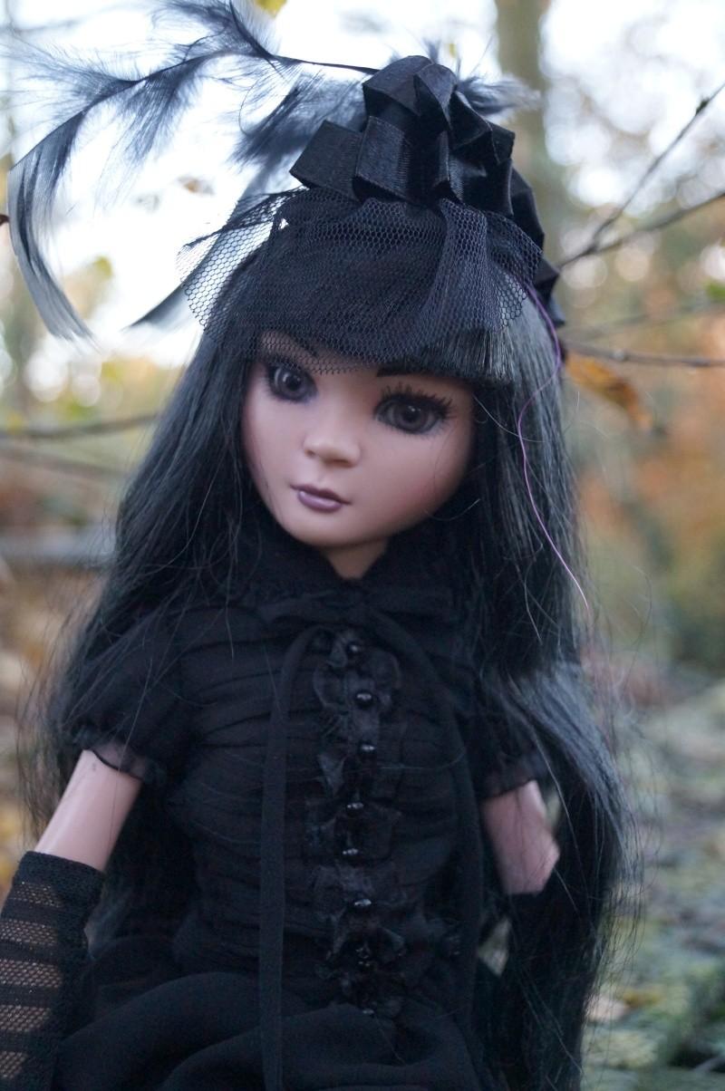 THEME DE NOVEMBRE 2012 : Le Noir , le gothique etc... Dsc00129