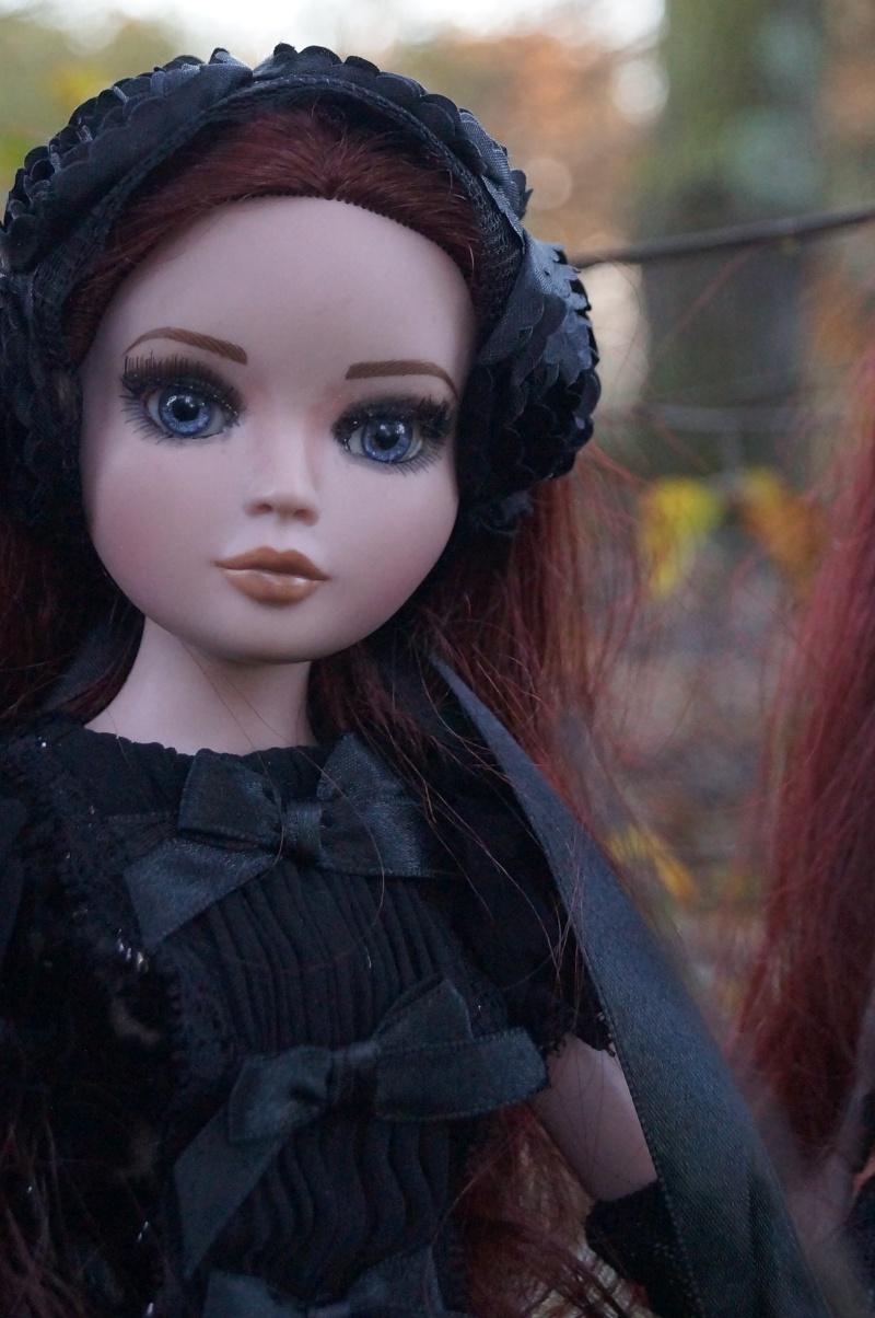 THEME DE NOVEMBRE 2012 : Le Noir , le gothique etc... Dsc00130
