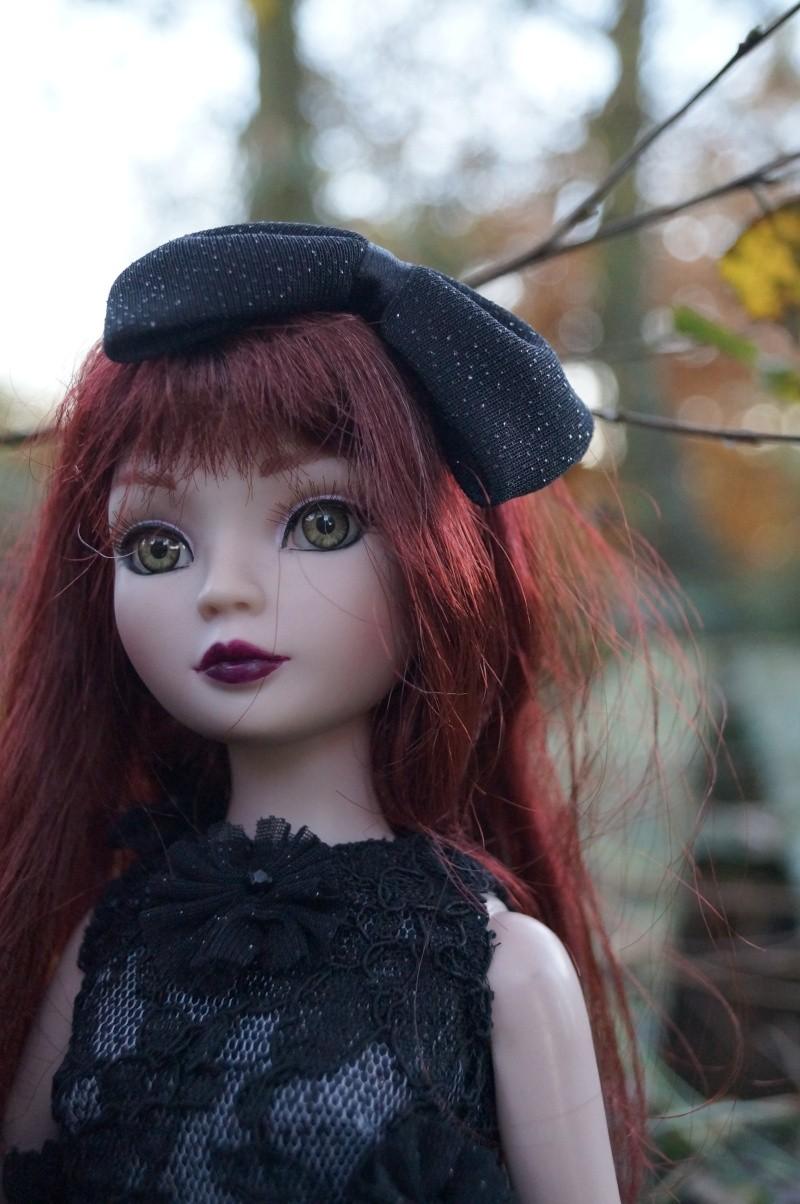 THEME DE NOVEMBRE 2012 : Le Noir , le gothique etc... Dsc00131