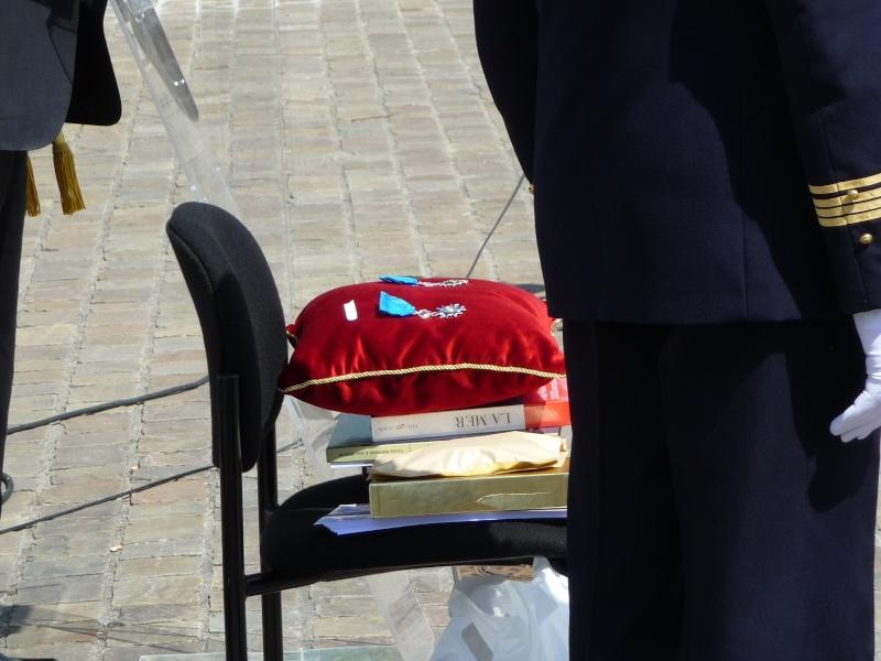 Notre Président a reçu la médaille de l'Ordre National du Mérite Merite13