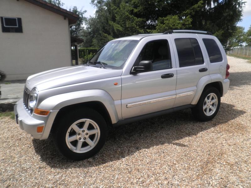 Un nouveau en Cherokee 2.8 CRD Limited Gris  P6240512