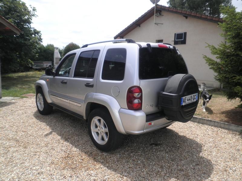Un nouveau en Cherokee 2.8 CRD Limited Gris  P6240513