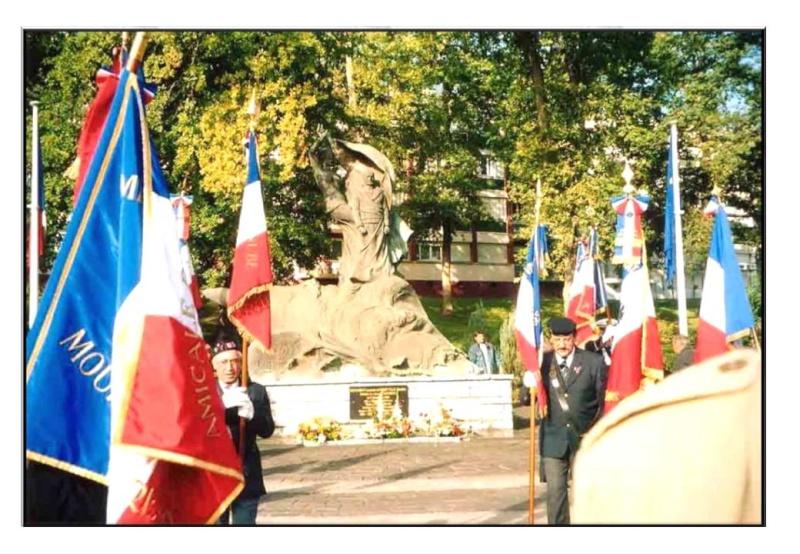 [Histoires et Histoire] Monuments aux morts originaux Français Tome 1 - Page 2 Diapos49