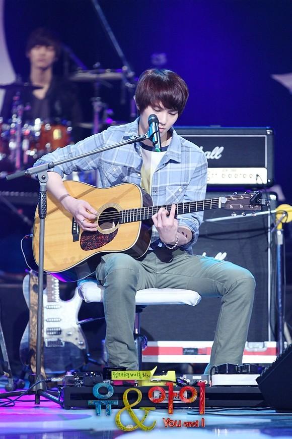 [Photos] Jonghyun @ SBS You & I Tumblr47