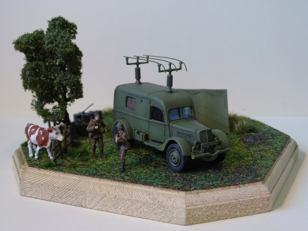 Renault ADH Radio (Wespe Models) 1/72 Dsc08517