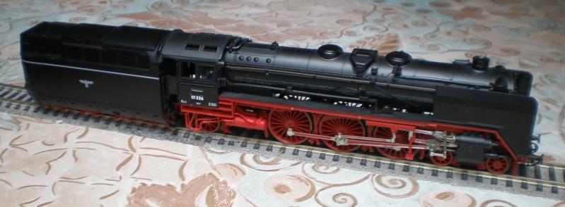Lok 01 226 mit Stromlinientender 01_22610