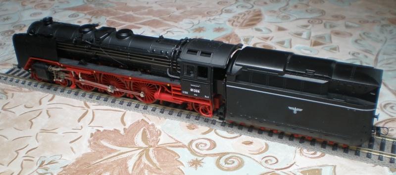 Lok 01 226 mit Stromlinientender 01_22611