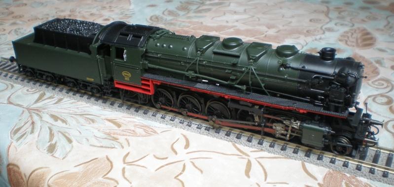 BR 44 in grün mit Tender von BR 50 P3011510