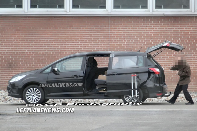 2014 - [Ford] S-Max II Smax-s13