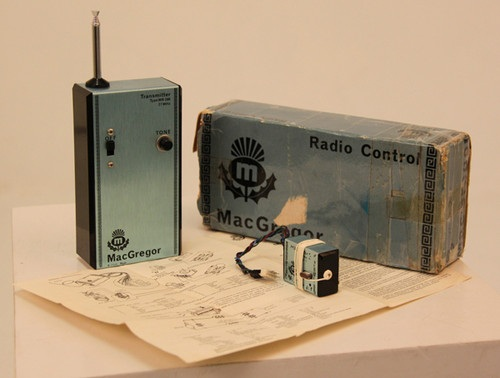 Anyone identify this? Radio10
