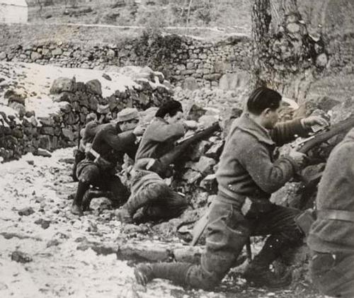 Fotos de la Guerra Civil Española - Page 2 Guerra10