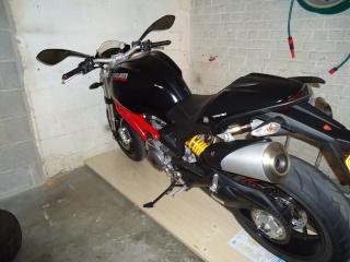 [TUTO]Pousser sa Monster au fond du garage .. et retrouver plein de place libre. Moto_s10