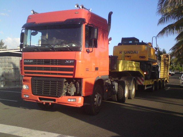 Les camions de l'Ile de la Reunion - Page 5 17923710