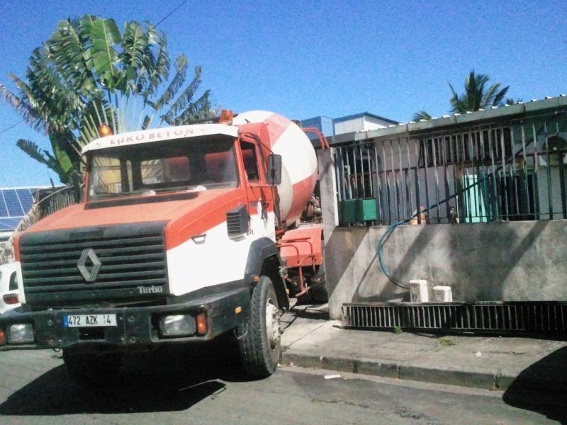 Les camions de l'Ile de la Reunion - Page 3 2011-110