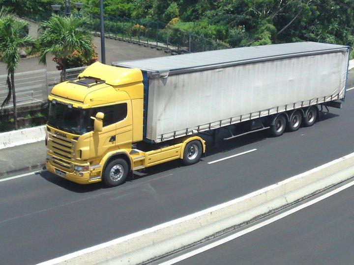 Les camions de l'Ile de la Reunion - Page 6 22468410
