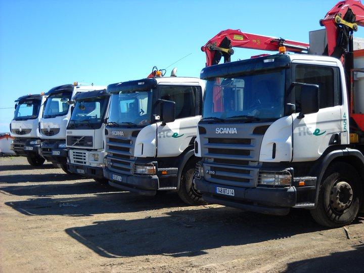 Les camions de l'Ile de la Reunion - Page 4 22840011