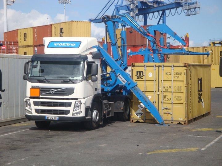 Les camions de l'Ile de la Reunion - Page 2 28515210