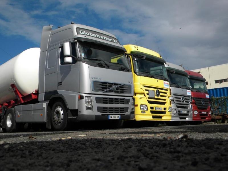 Les camions de l'Ile de la Reunion - Page 7 29378010