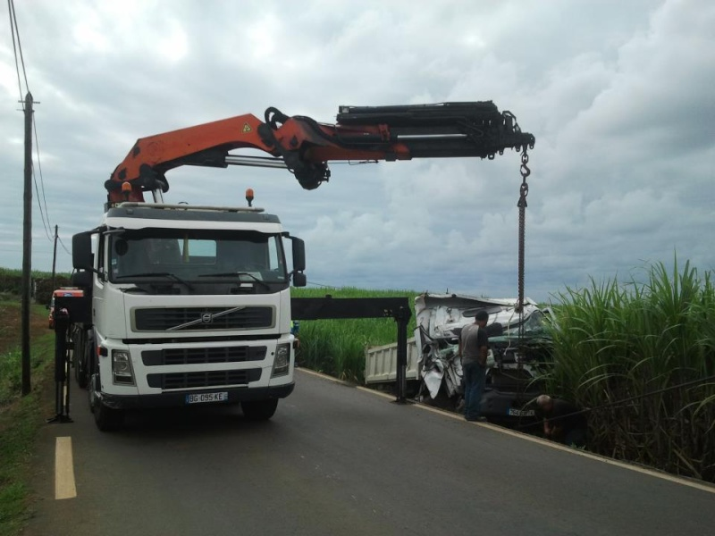 Les camions de l'Ile de la Reunion - Page 5 31847210