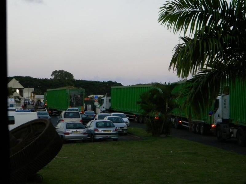Les camions de l'Ile de la Reunion - Page 4 39217310