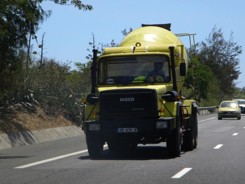 Les camions de l'Ile de la Reunion - Page 2 39561310