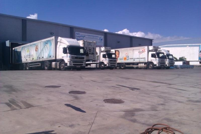 Les camions de l'Ile de la Reunion - Page 6 42194510
