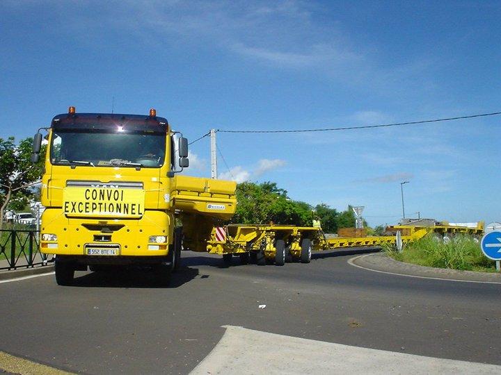 Les camions de l'Ile de la Reunion - Page 2 45545_10
