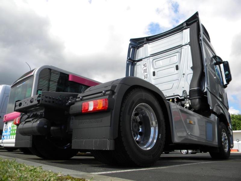 Les camions de l'Ile de la Reunion - Page 7 53314210