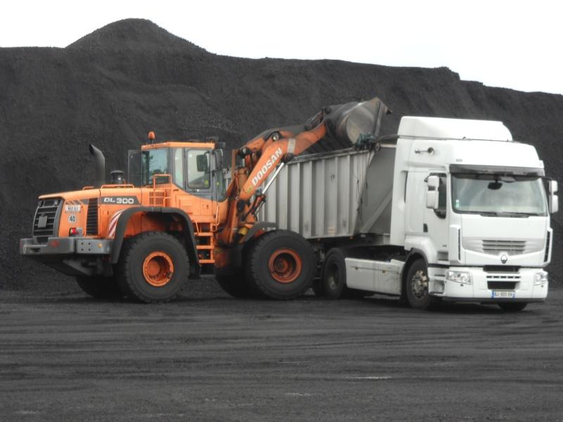 Les camions de l'Ile de la Reunion - Page 6 Dscn0511