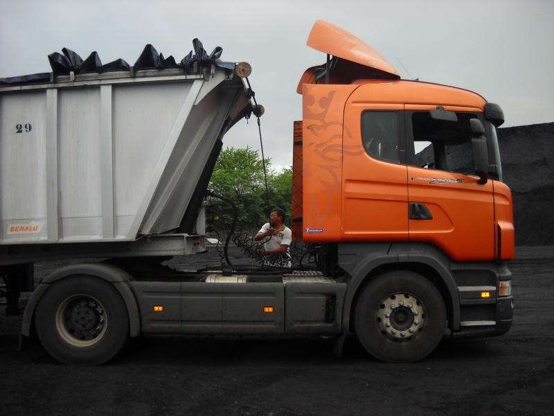 Les camions de l'Ile de la Reunion - Page 6 Dscn0513